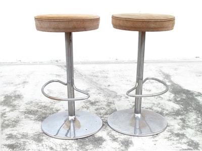 #Barstool in the manner Willy #Rizzo design space age years '70 chrome  sgabelli rizzo space age bar anni '70 alcantara