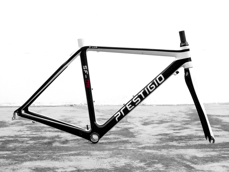 race bike ultralight prestigio by giorgetto giugiaro design  carbon frame  years 2014